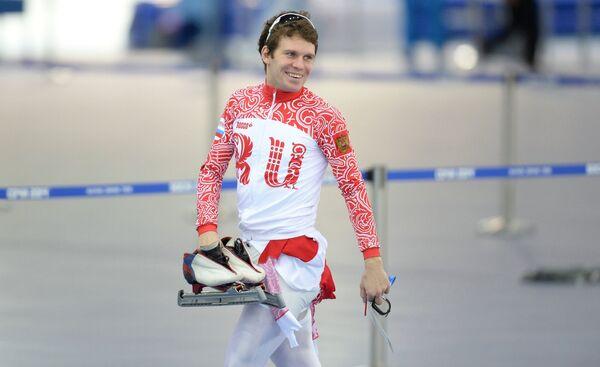Евгений Серяев (Россия) на тренировке сборной России по конькобежному спорту перед началом XXII зимних Олимпийских игр в Сочи