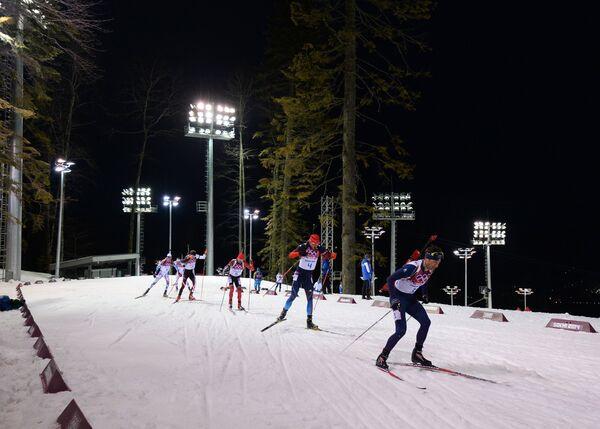 Справа налево: Уле-Эйнар Бьорндален (Норвегия), Антон Шипулин (Россия)