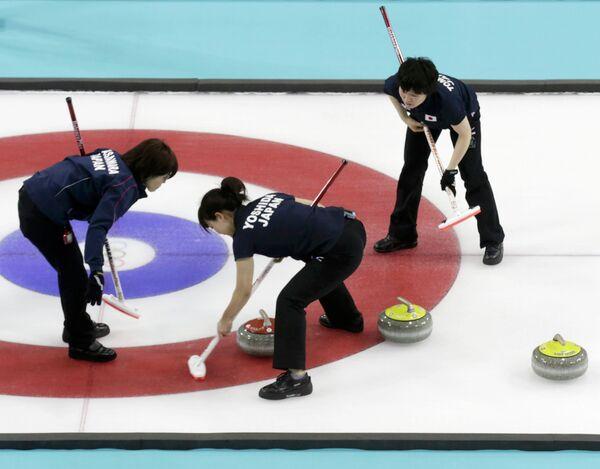 Игроки женской сборной Японии по керлингу