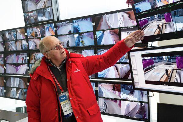 Член правления официального хронометриста Олимпийских игр в Сочи компании Omega Питер Херцлер