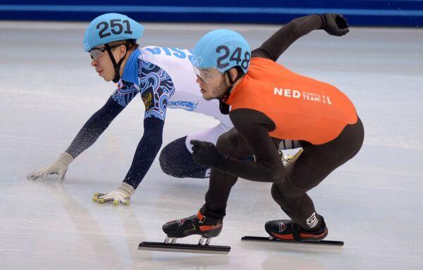 Слева направо: Семен Елистратов (Россия) и Шинки Кнегт (Нидерланды)