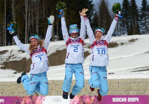 Тереза Йохеуг (Норвегия) - серебряная медаль, Марит Бьерген (Норвегия) - золотая медаль, Кристин Стермер Стейра (Норвегия) - бронзовая медаль.