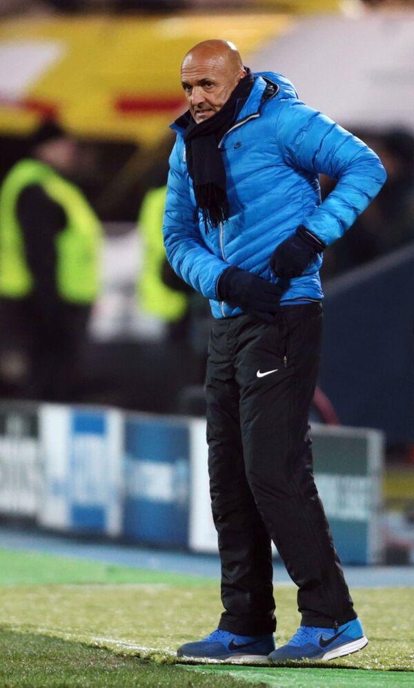 Главный тренер Зенита Лучано Спаллетти во время матча против Боруссии
