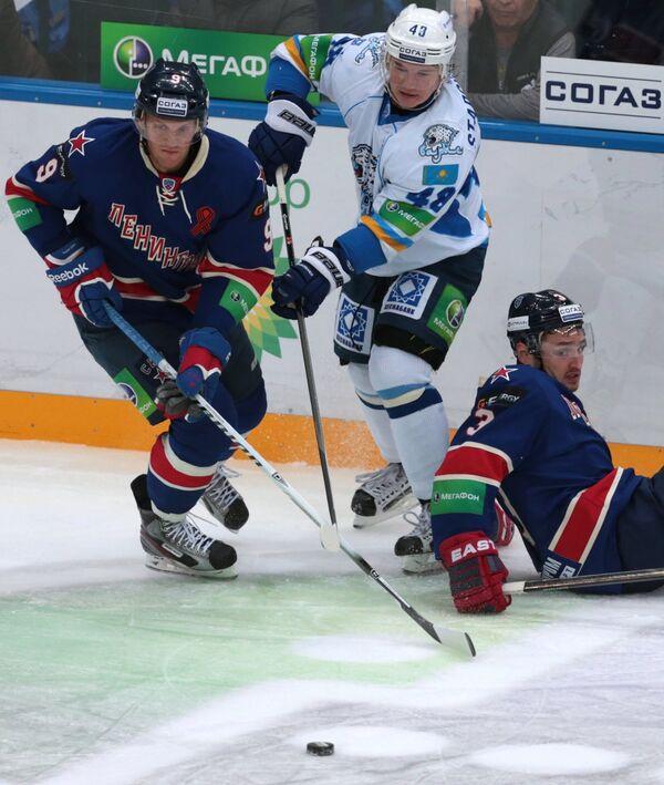 Игровой момент матча СКА - Барыс