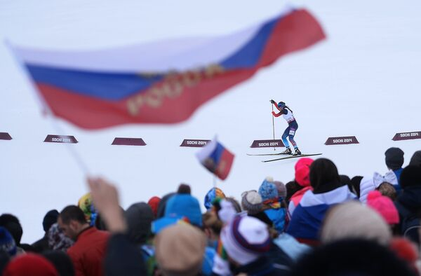 Наталья Братюк (Россия) на трассе гонки на длинной дистанции в классе LW 2-9 (стоя)