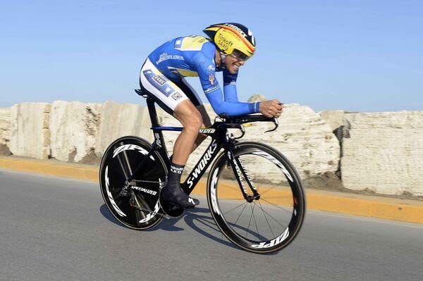 Испанский велогонщик российской команды Tinkoff-Saxo Альберто Контадор во время велогонки Тиррено - Адриатико