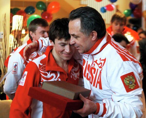 Виталий Мутко и Максим Чудов (справа налево)