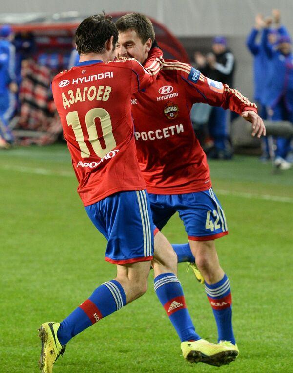 Алан Дзагоев (слева) и Георгий Щенников