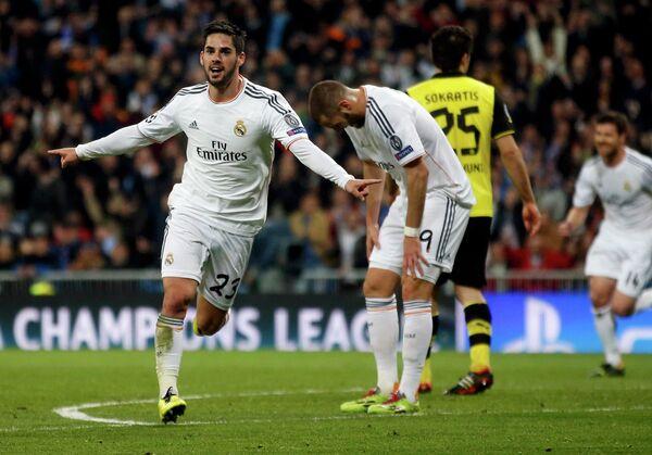 Полузащитник мадридского Реала Иско празднует гол в ворота Боруссии