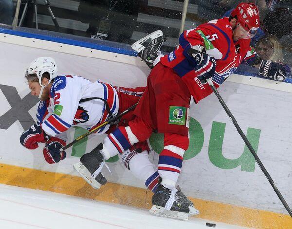 Игровой момент матча Локомотив - Лев