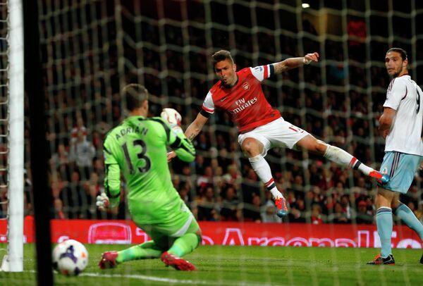 Игровой момент матча Арсенал - Вест Хэм