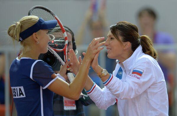 Елена Веснина (слева) и Анастасия Мыскина