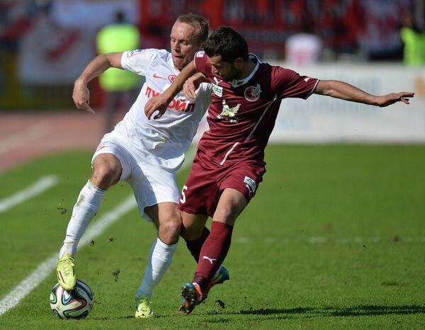 Денис Глушаков (слева) и Сергей Кисляк