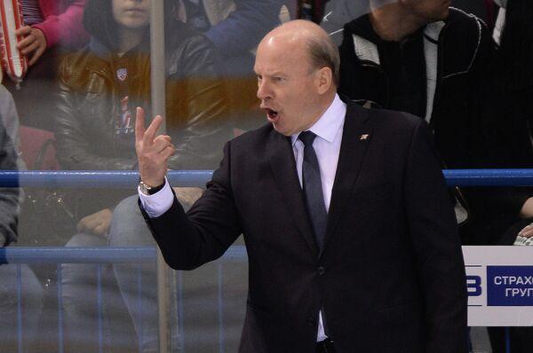 Главный тренер хоккейного клуба Металлург Майк Кинэн