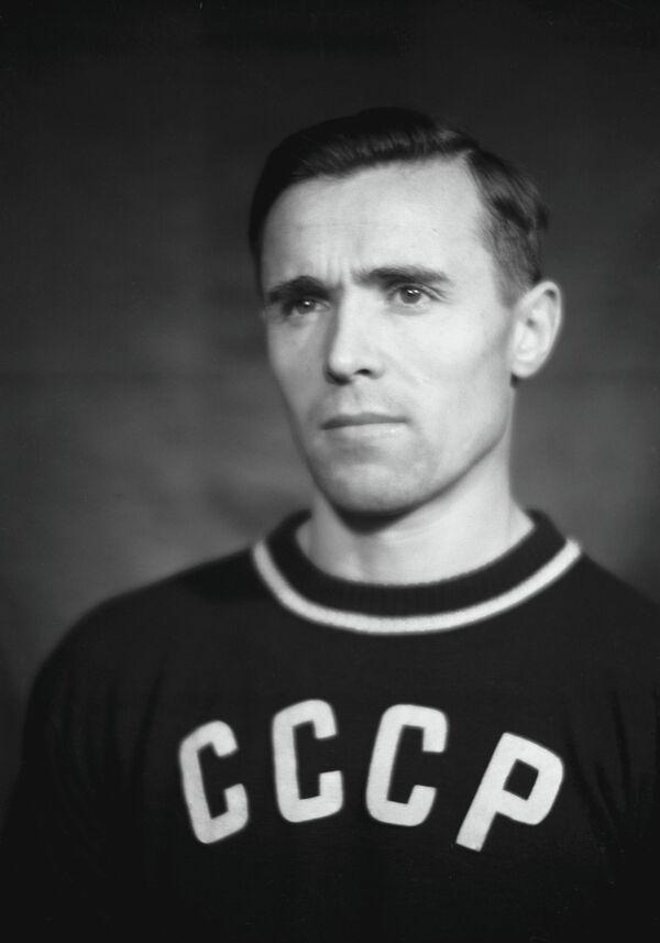Виктор Чукарин