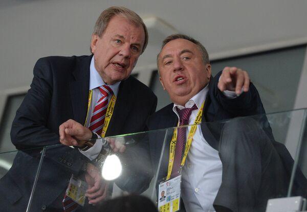 Исполнительный директор ФХР Валерий Фесюк (слева) и генеральный менеджер сборной России Андрей Сафронов