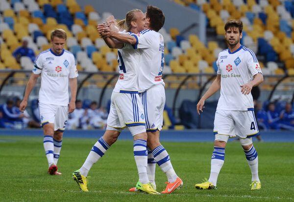 Футболисты киевского Динамо Роман Безус, Домагой Вида, Огнен Вукоевич и Мигел Велозу (слева направо)