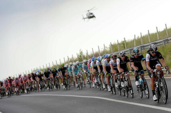 Велогонщики на шестом этапе Джиро д'Италия