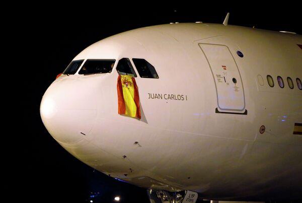 Самолет с флагом Испании