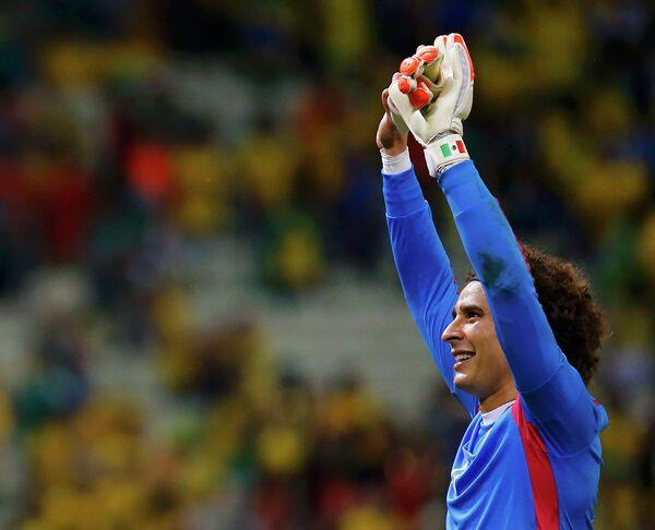 Главный герой матча против сборной Бразилии, мексиканский голкипер Гильермо Очоа