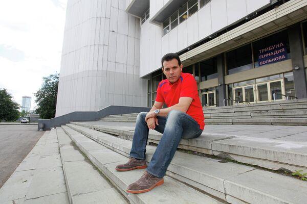 Димитрис Итудис