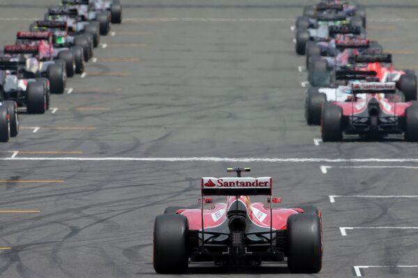 Пилоты Формулы-1 на стартовой решетке Гран-при Великобритании