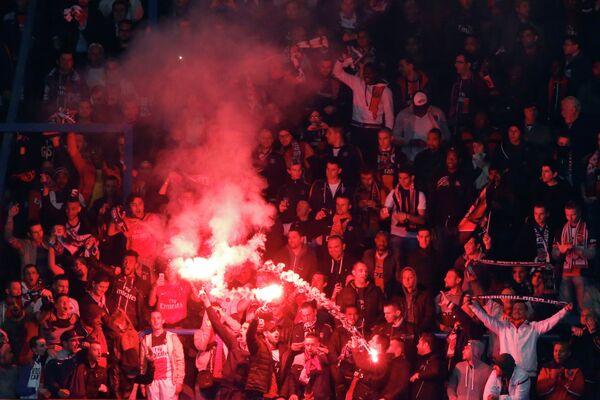 Болельщики ПСЖ на домашнем стадионе Парк де Пренс
