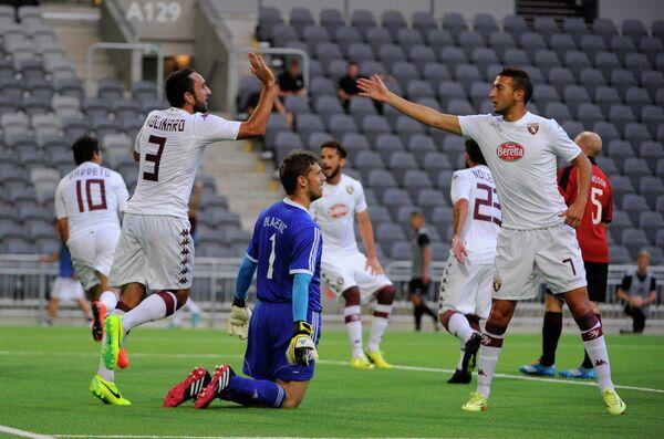 Игровой момент матча Торино - Броммапойкарна