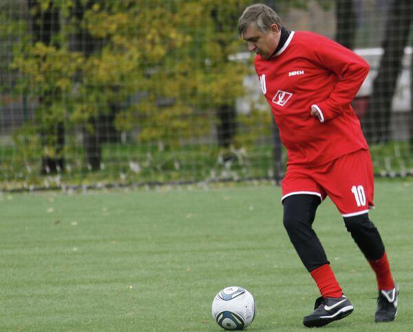 Легендарный советский футболист Федор Черенков принимает участие в Международном турнире среди ветеранов