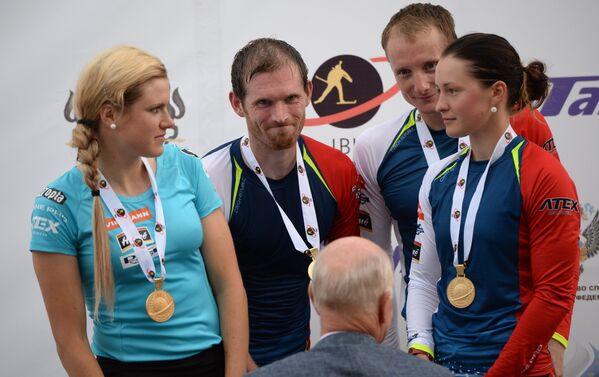 Чешские биатлонисты (слева направо): Габриэла Соукалова, Михал Шлезингр, Ондржей Моравец, Вероника Виткова