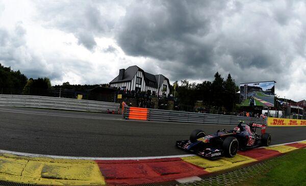 Даниил Квят во время квалификации Гран-при Бельгии