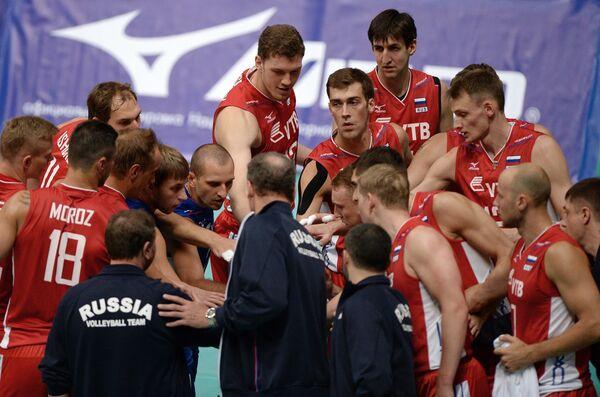 Игроки и тренеры сборной России по волейболу