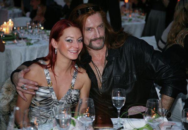 Никита Джигурда с супругой Мариной Анисиной