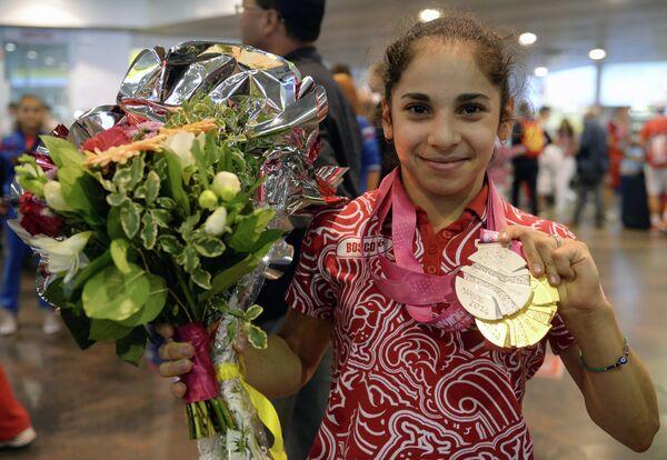 Олимпийская чемпионка гимнастка Седа Тутхалян