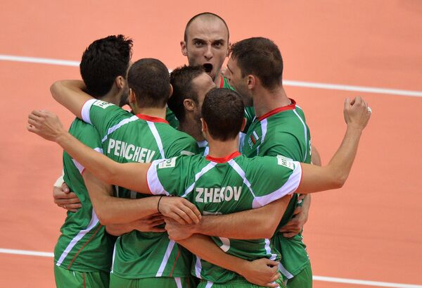 Волейболисты сборной Болгарии во главе с Теодором Тодоровым (в центре)