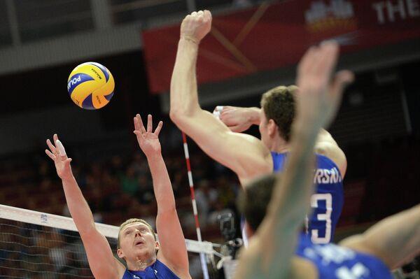 Связующий сборной России Сергей Гранкин и блокирующий Дмитрий Мусэрский(слева направо)