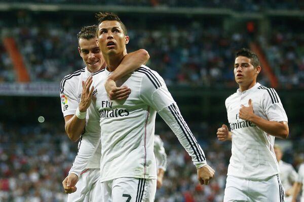 Футболисты мадридского Реала Гарет Бейл, Криштиану Роналду и Хамес Родригес (слева направо)