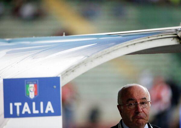 Президент Федерации футбола Италии (FIGC) Карло Тавеккио