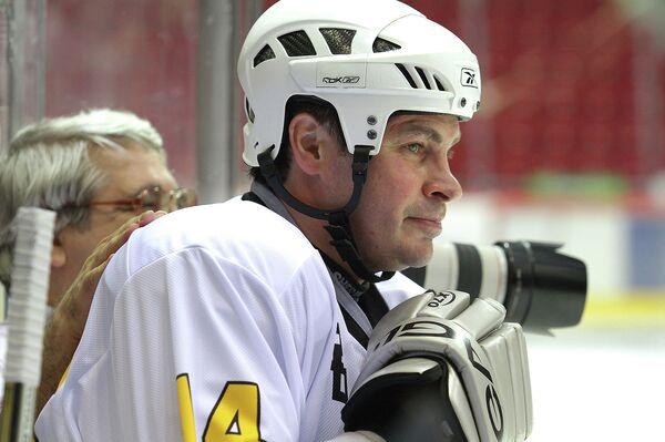 Чемпион мира по хоккею в составе сборной России, экс-игрок челябинского Трактора Валерий Карпов
