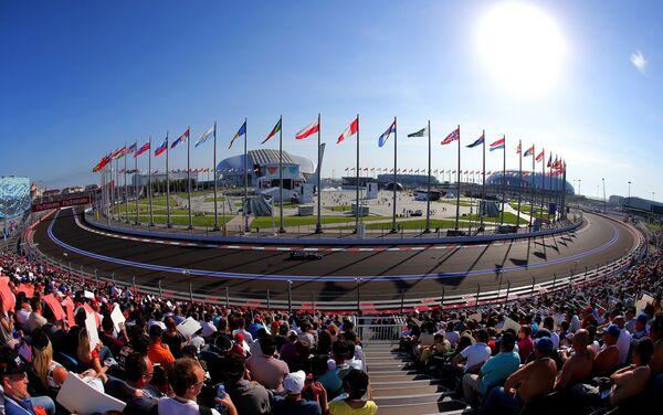 Вид Сочи Автодрома на российском этапе чемпионата мира по кольцевым автогонкам в классе Формула-1
