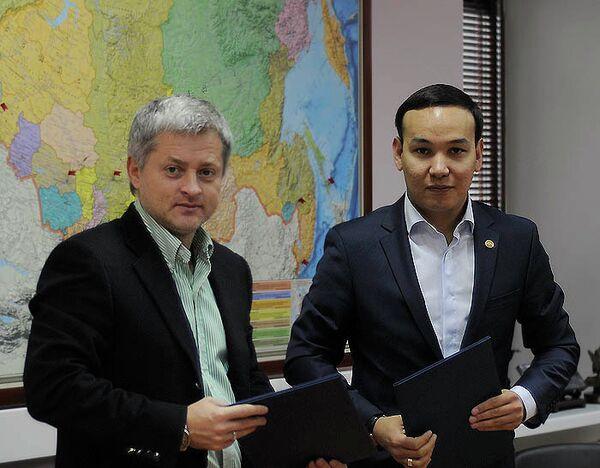 Игорь Ефремов (слева) и Олжас Абраев