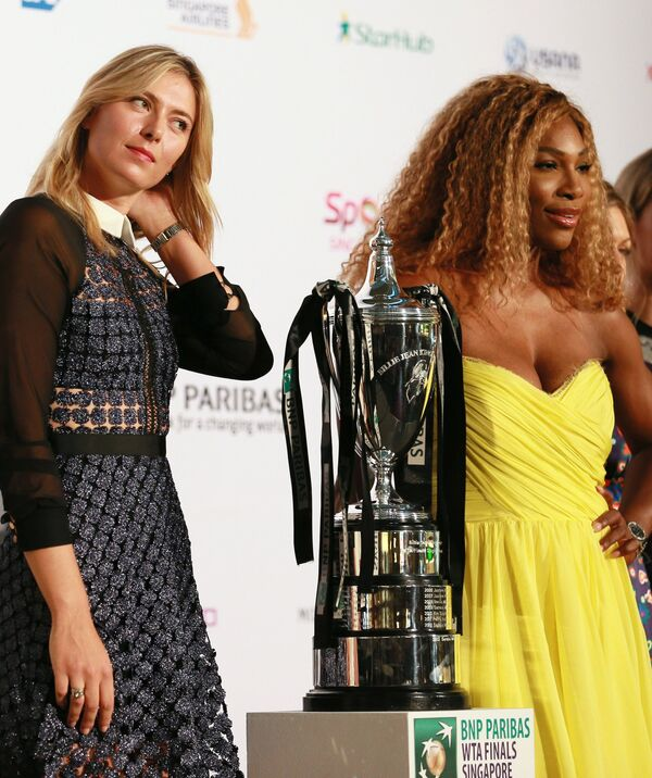 Мария Шарапова (слева) и Серена Уильямс