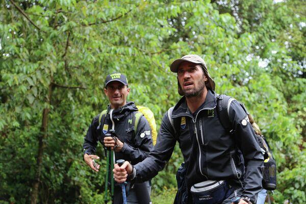 Итальянские гонщики команды Маттео Тосатто и Даниэле Беннати