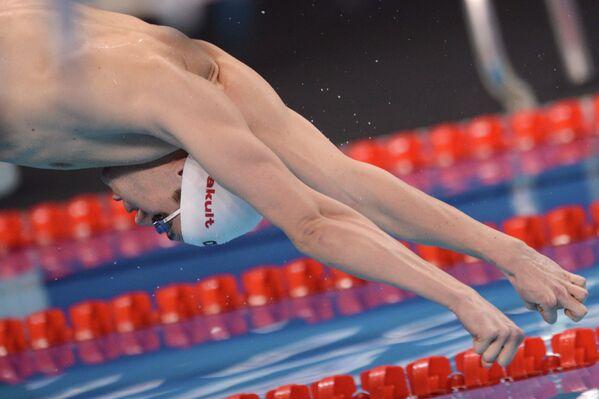 Семен Макович (Россия) на дистанции 400 метров комплекс