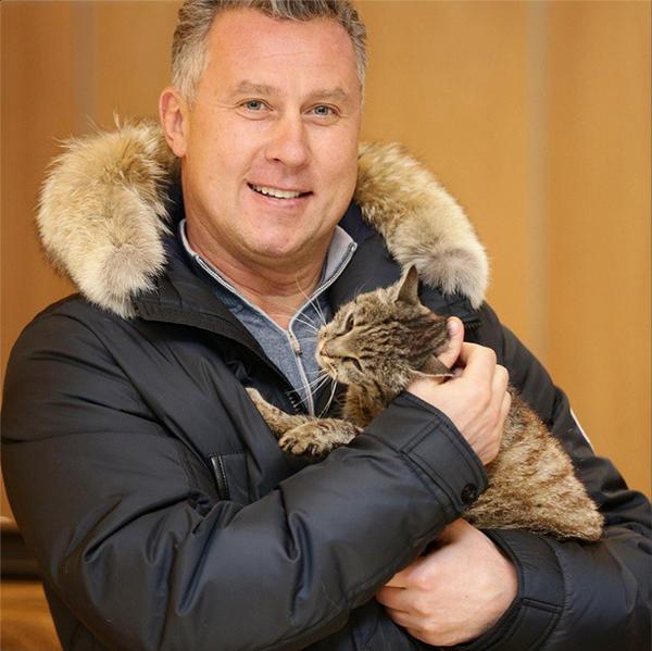 Президент Адмирала Александр Могильный с кошкой Матроскиной