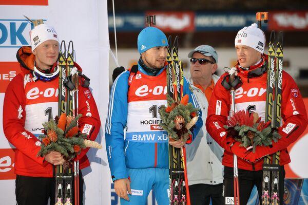 Йоханнес Бе (Норвегия), Антон Шипулин (Россия) и Тарьей Бе (справа налево)