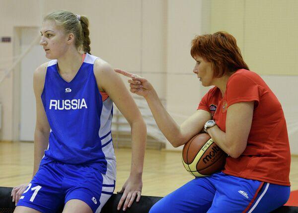 Нелли Ферябникова (справа) и Татьяна Сема