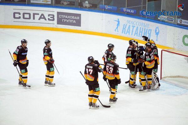 Хоккеисты Северстали