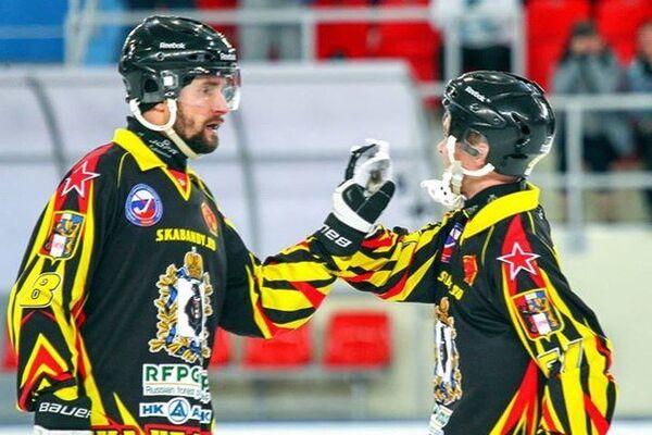 Хоккеисты СКА-Нефтяника