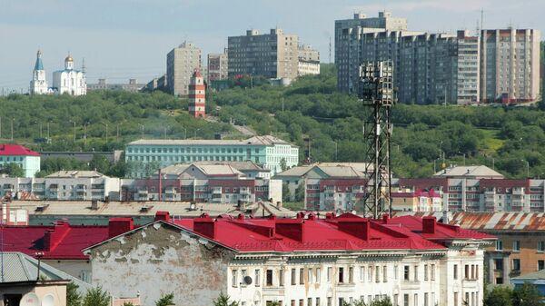 Вид города Мурманска со стороны порта
